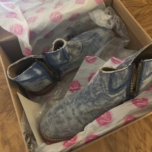 Mismatched 1/2 Pair Duke by Matisse Right foot 7